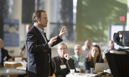 Jak przygotować się do wystąpienia publicznego na konferencji?