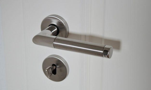 Jak wybrać odpowiednią klamkę do drzwi?