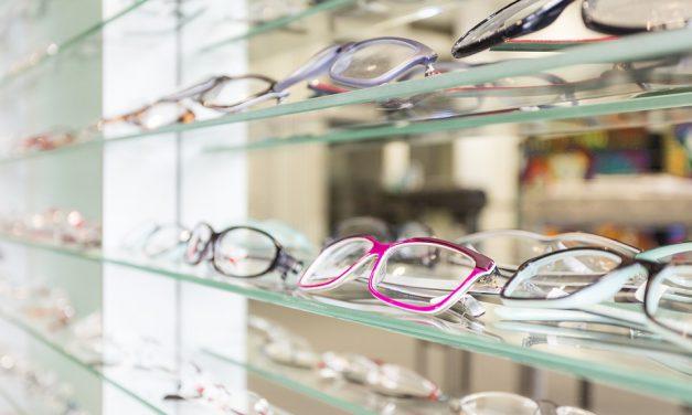 Masz już dosyć okularów? Wypróbuj soczewki kontaktowe i zobacz, jakie to wygodne rozwiązanie