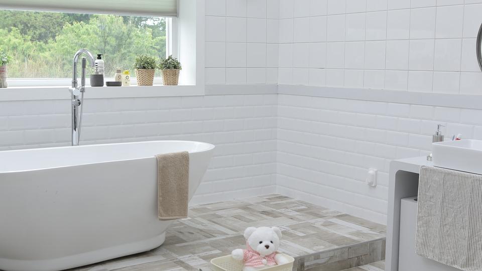 Jak urządzić łazienkę – 3 ciekawe stylizacje