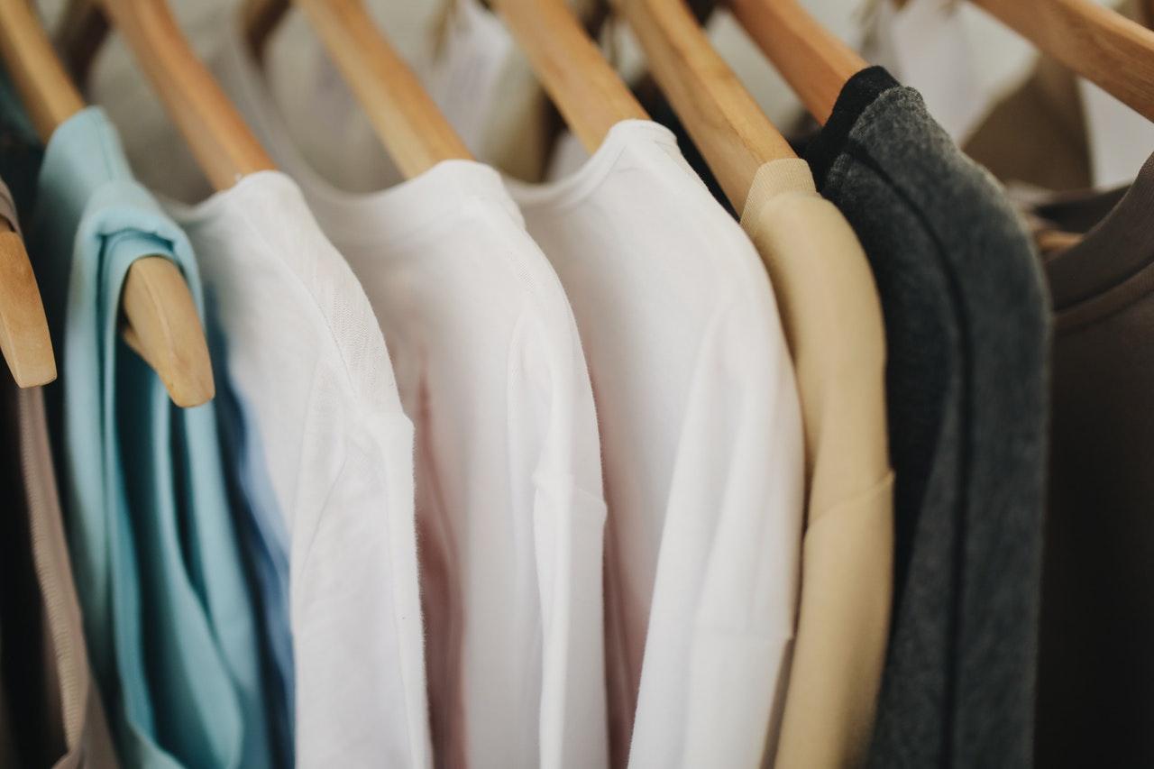 wiosenne porządki w szafie ubrania